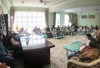 جلسه دوم عمر مومند در قندهار.jpg